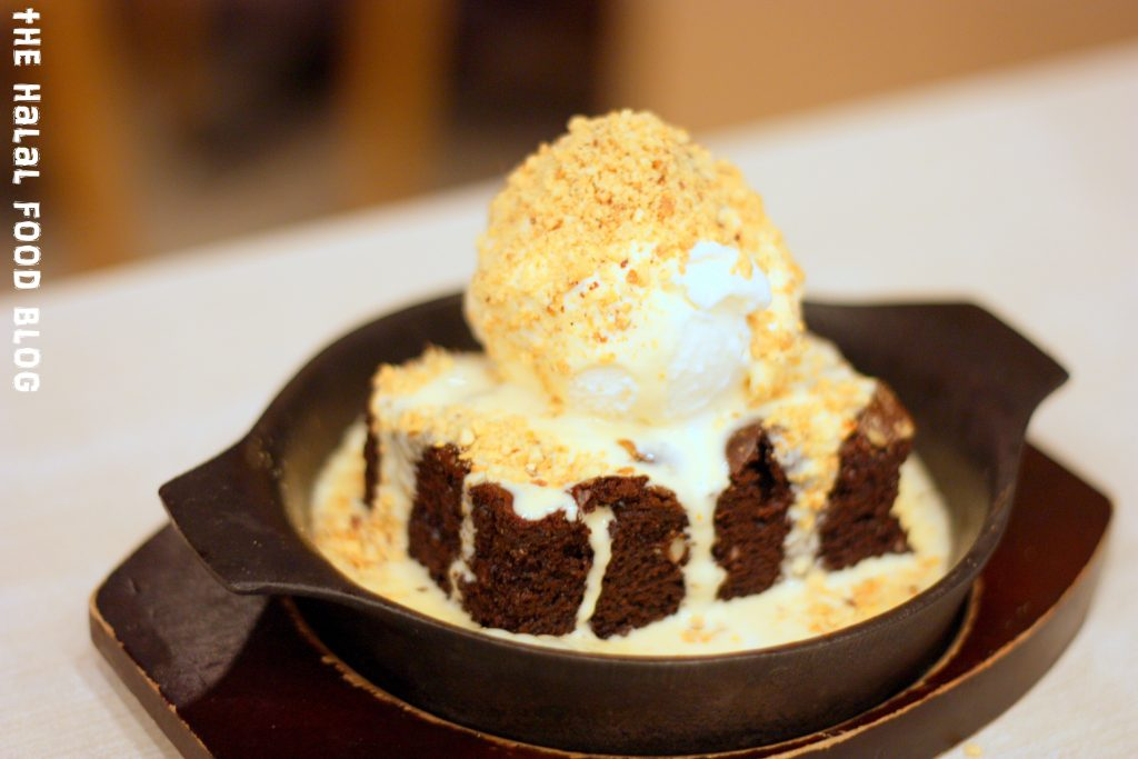 Sizzling Brownie with Ice Cream