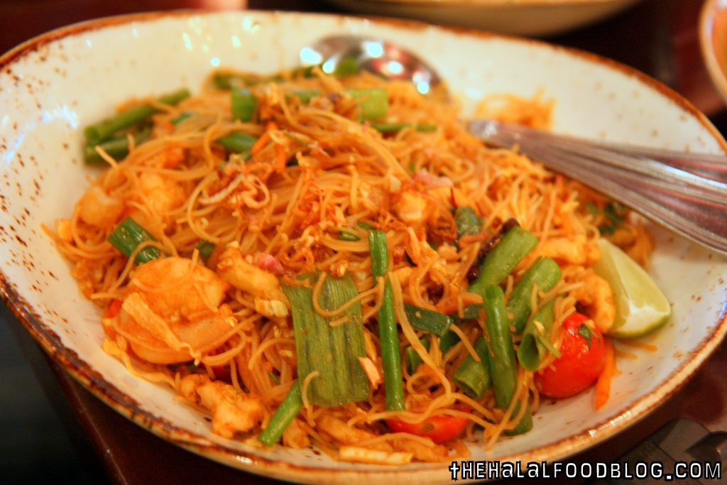 Singapore Street Noodles (AED 48)