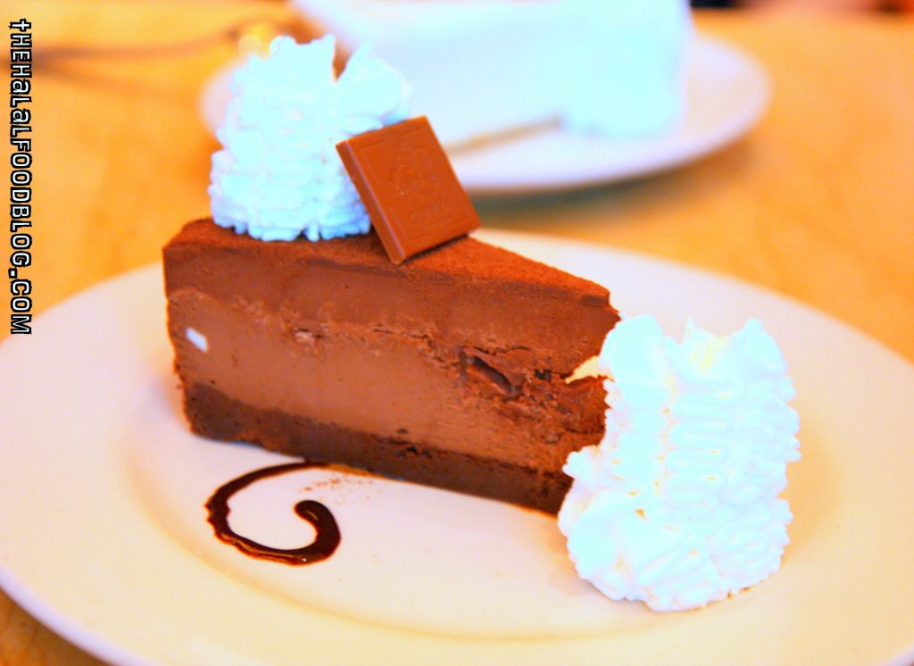 Godiva Chocolate Cheesecake (AED34)