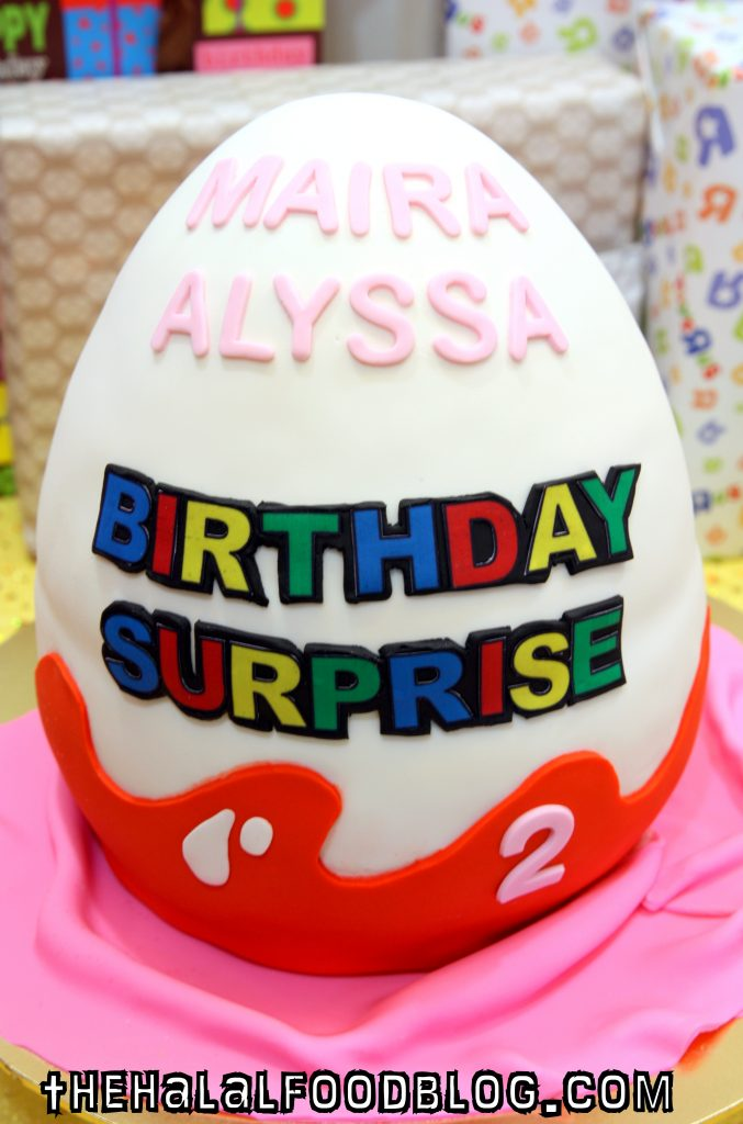 SG Birthdaycakes 02 Egg Surprise