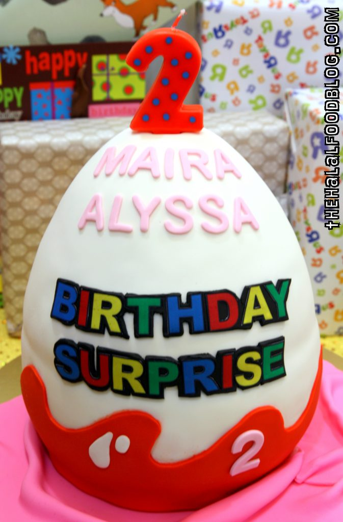 SG Birthdaycakes 03 Egg Surprise
