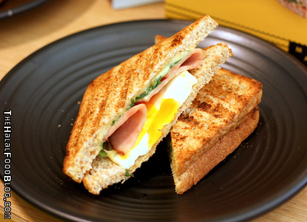 Chicken Ham White Cheddar Egg & Wild Rocket Sandwich ($5.90)
