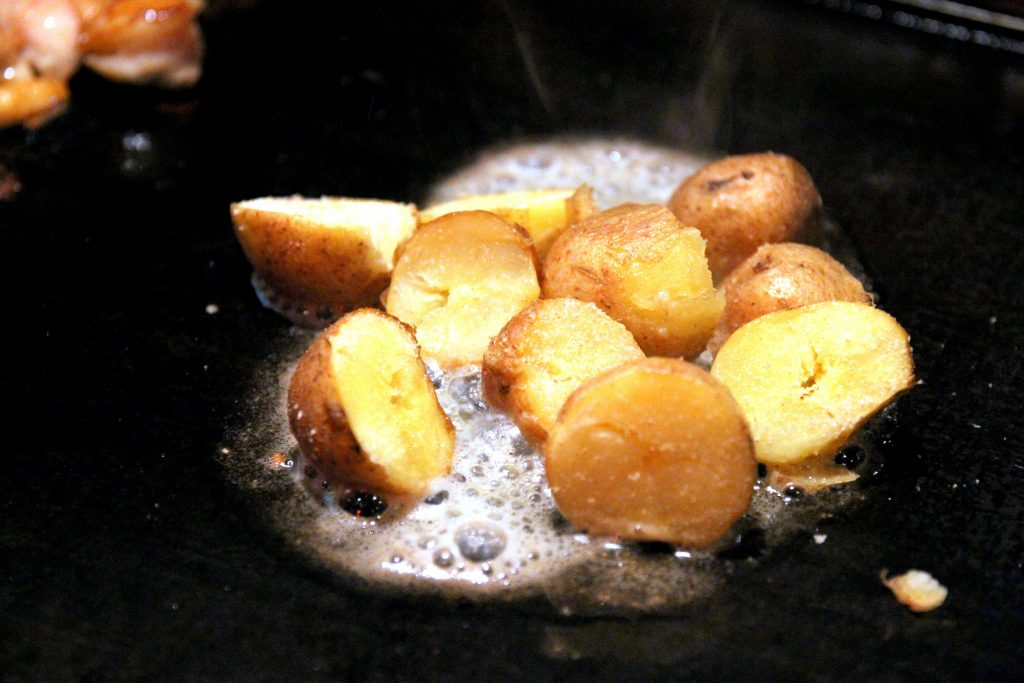 Grilled Potato with Butter (¥432)