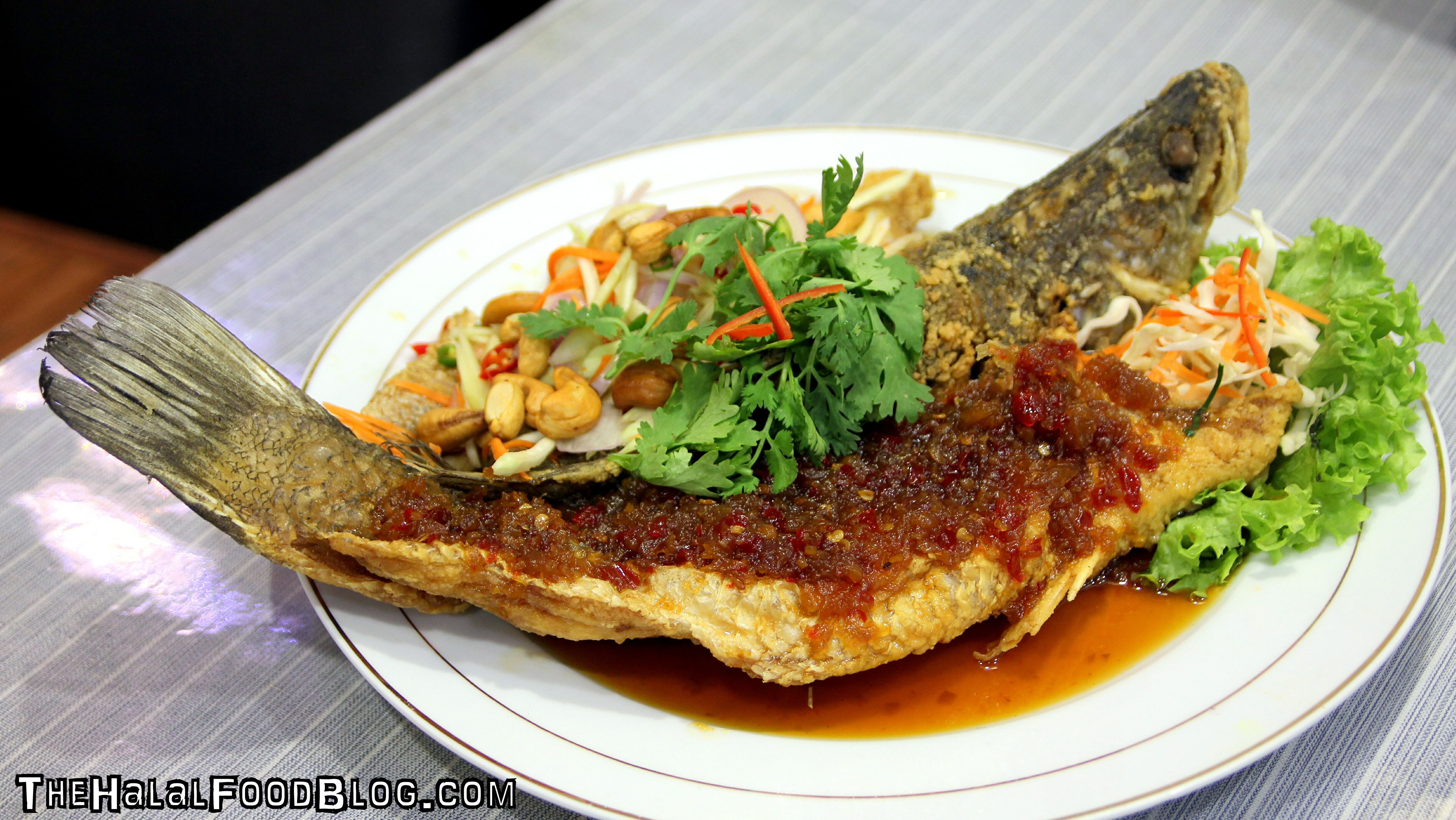 Ramadhan special 2017 greathai the halal food blog for Deep fried fish